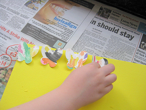 how to make butterfly canvas 4
