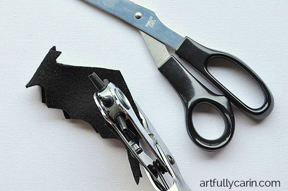 Make an easy bat garland